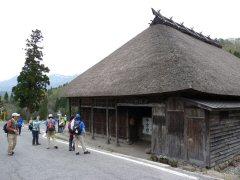 塩の道・飯森から南小谷へ_f0019247_0523988.jpg