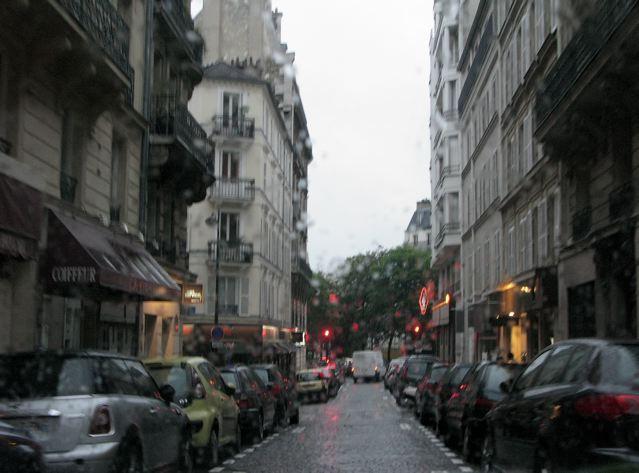 雨の日も又〜♪桐の花が見事〜♪♪(パリ17区ーフランス)_f0119071_7305376.jpg
