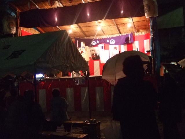 雨の中のお祭り_e0119092_12343827.jpg