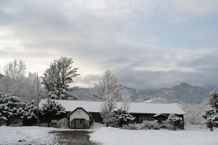 2010.4.24  朝起きると雪が_d0160199_23203480.jpg