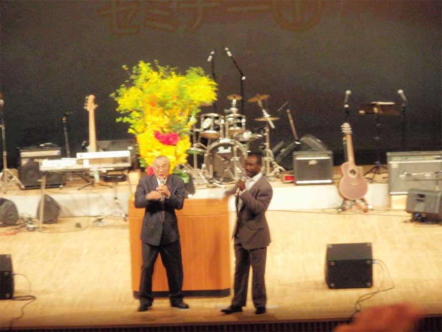 ジョセファット・ガジマ師聖会の音響!_d0120628_17293562.jpg