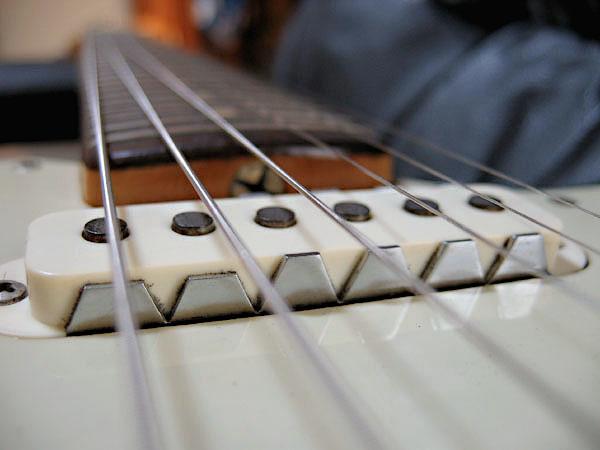 Cheetahに搭載する「Budz GuitarsのJaguar 90」が完成!_e0053731_18121184.jpg