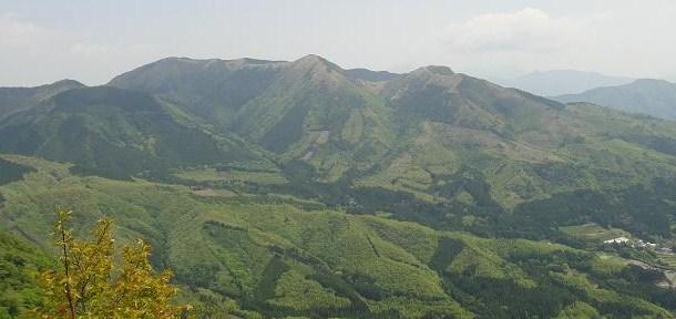 九重・黒岳へ、シャクナゲ満開!_e0164643_2025167.jpg