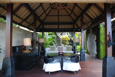 究極の美意識を感じる「BVLGARI HOTELS&RESORTS」1_a0138976_20311556.jpg
