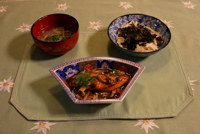 鮭とキノコの甘酢あんかけ(248kcal)_f0229190_17115928.jpg
