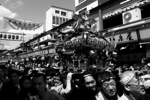 三社祭・2010 vol.1_b0053019_2204967.jpg