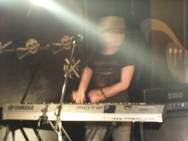 ハイカロリーズ ライブ!! 最高!!_c0226202_75753.jpg