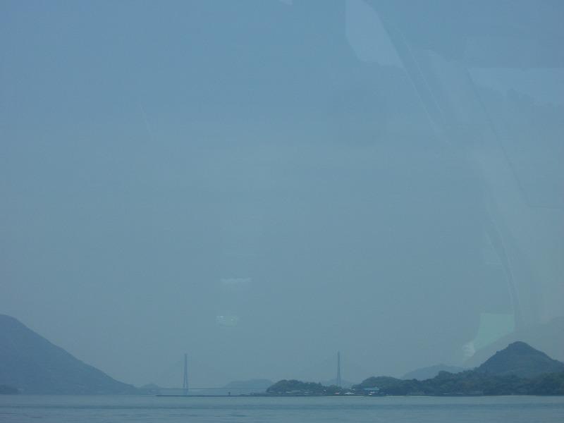 瀬戸内海に浮かぶ毒ガス工場跡とウサギの島―大久野島―_d0116009_2451683.jpg