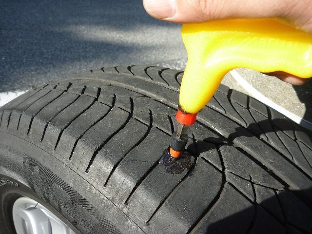 タイヤ パンク修理_b0054727_2104678.jpg