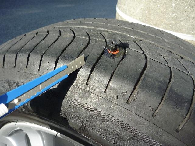 タイヤ パンク修理_b0054727_2122087.jpg