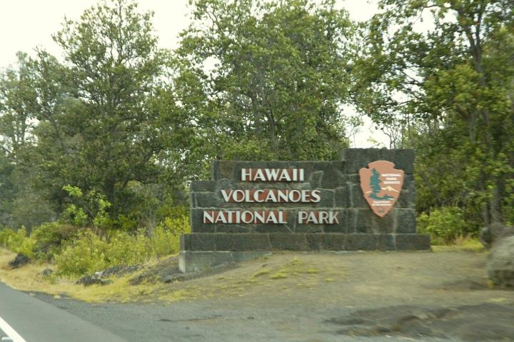 ハワイ島旅行記2010 ー3日目・ハワイ島ほぼ1周ドライブ前半(その3:ボルケーノ)- _f0189086_1542381.jpg