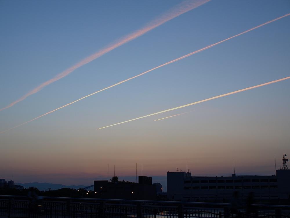 「ひこうき雲」_a0133692_20541286.jpg