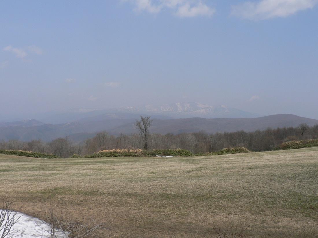 残雪の山を行く_d0001843_22462759.jpg