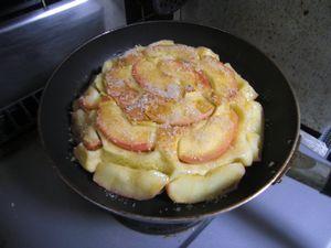 皆で作ろうkeiの超手抜きりんごパン!_e0151349_13503025.jpg