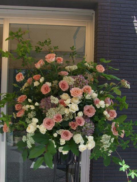 オークリーフ(シュナーベルとスイートオールドのスタンド花)_f0049672_16371215.jpg