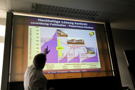 10オーストリア・スイスのパッシブハウス・木造多層階研修32_e0054299_1052854.jpg