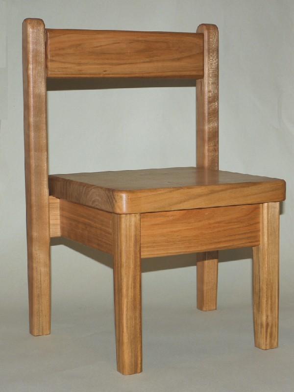 ちび椅子、スタッキング_c0138410_22295856.jpg