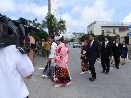 5月18日 与那国式結婚式 ~披露宴編~_b0158746_1135576.jpg