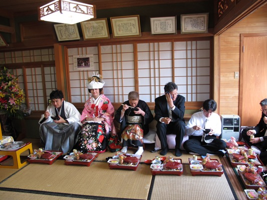5月18日 与那国式結婚式 ~披露宴編~_b0158746_1141777.jpg