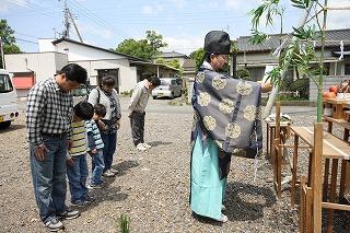 地鎮祭が無事に執り行われました。_a0084859_9172074.jpg