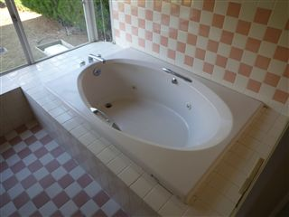 真っ白な浴室にリニューアル_c0131666_18131218.jpg
