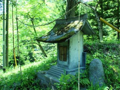 small shrine_f0230666_12362059.jpg