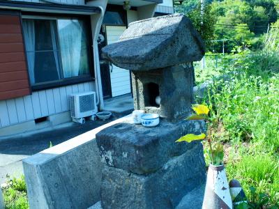 small shrine_f0230666_12363064.jpg