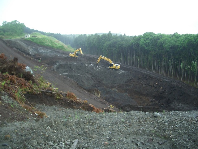 富士山麓の土採取現場を視察_f0141310_23561875.jpg