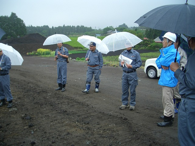 富士山麓の土採取現場を視察_f0141310_23563664.jpg