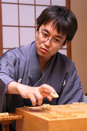 【将棋界の生ける伝説】羽生善治のすごすぎる伝説をご紹介!