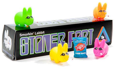 Stoner Fort Labbit 5-Pack by Frank Kozik_e0118156_2249773.jpg