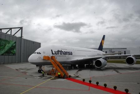 ルフトハンザ  エアバスA380 ファーストフライトに搭乗!_b0053082_17413348.jpg