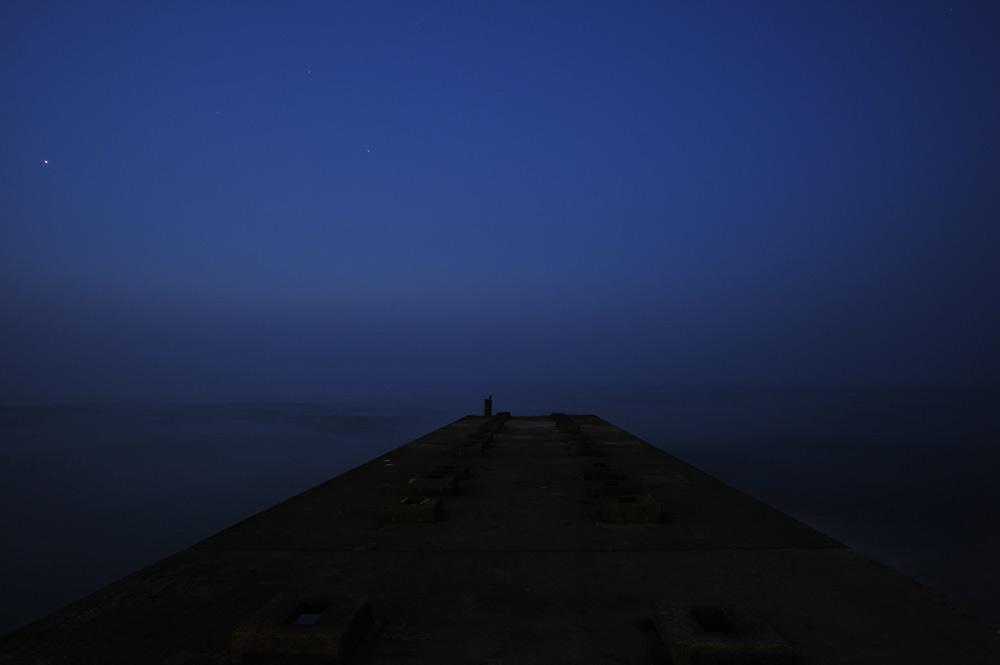 夕霧の海で_c0065410_22434433.jpg