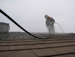 屋根の塗装工事・・・・5月20日(木)_f0118796_10111273.jpg