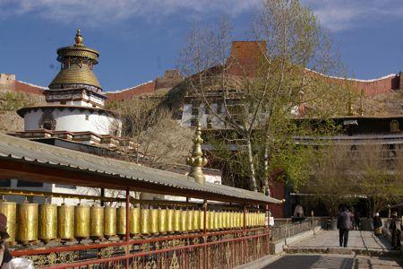 チベットの旅  Day  7 ギャンツェからシギャッツェへ_e0114020_4322539.jpg