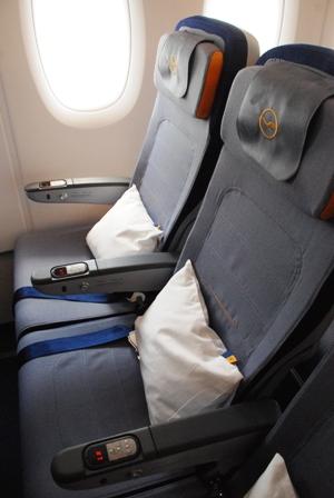 ルフトハンザ エアバスA380機内、初公開!_b0053082_17282571.jpg