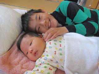 赤ちゃんのいる生活(生後1ヶ月)_a0046305_1655439.jpg