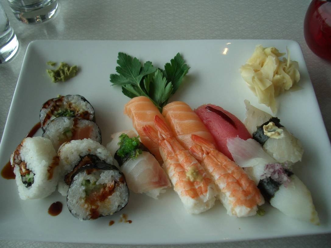 お薦めお寿司ランチ_a0159707_22103145.jpg