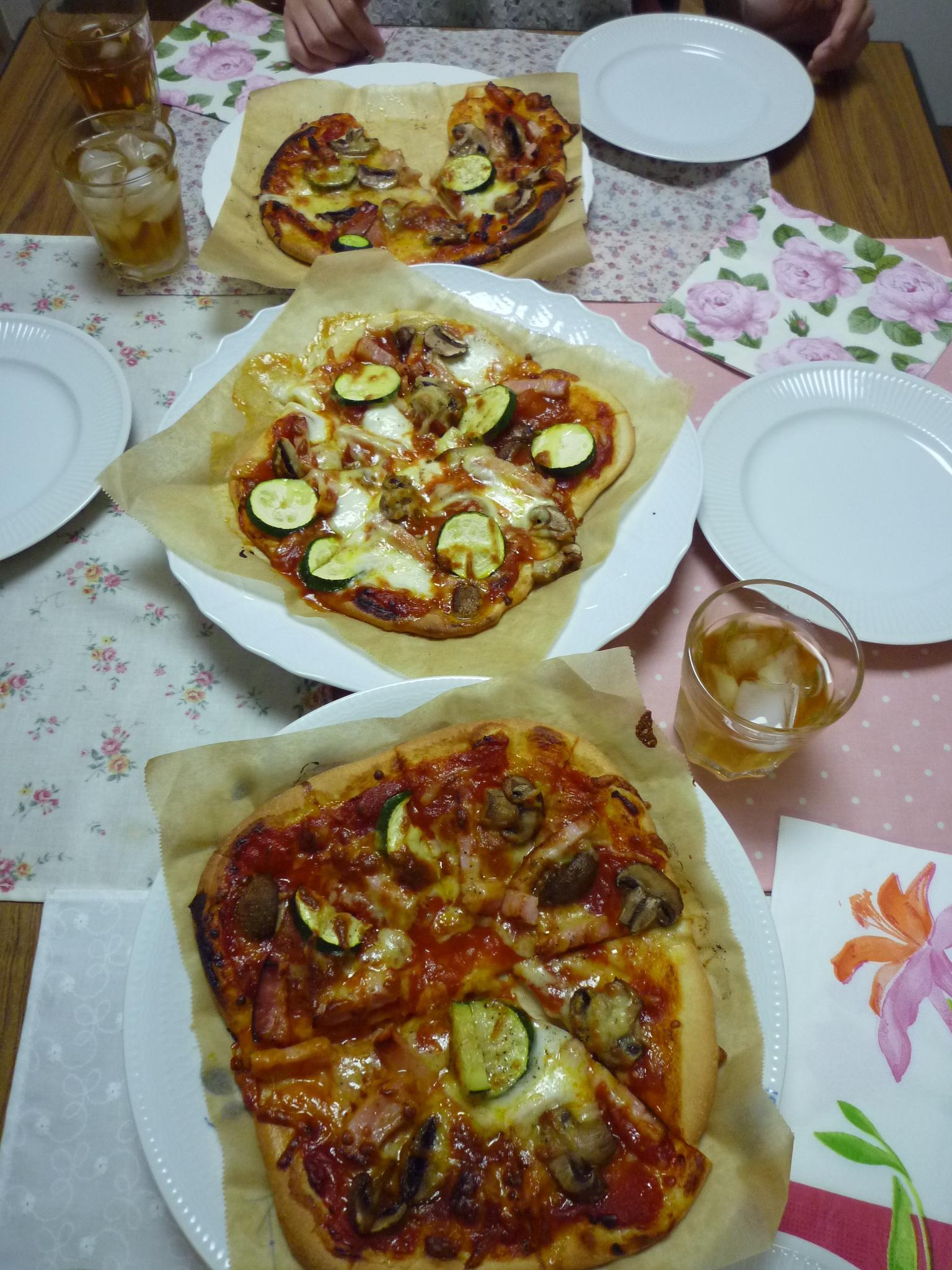 Pizza Pizza Pizza_b0170162_17251255.jpg