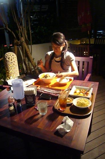 royal restaurant._c0153966_2221295.jpg
