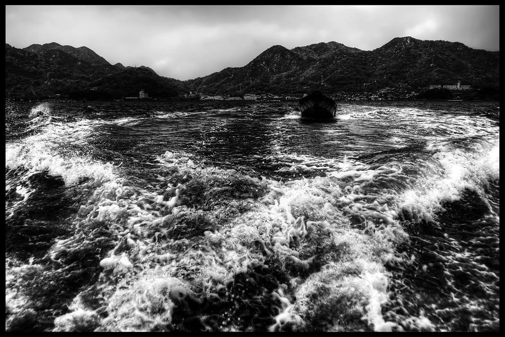 Ocean Monochromes「DISCOVER WEST」_c0214542_030293.jpg