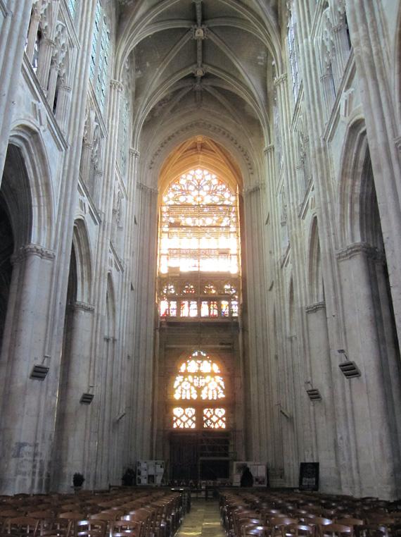 フランスへGO♪♪^^♪♪ 〜トゥールへ→サン・ガディアン大聖堂〜_f0119369_1174517.jpg