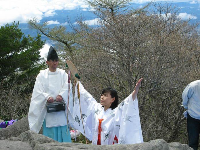 高峯神社 春の例大祭_e0120896_18432227.jpg