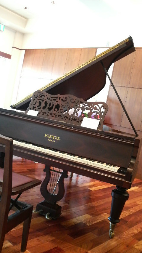 ショパンのピアノ_c0185356_16535829.jpg