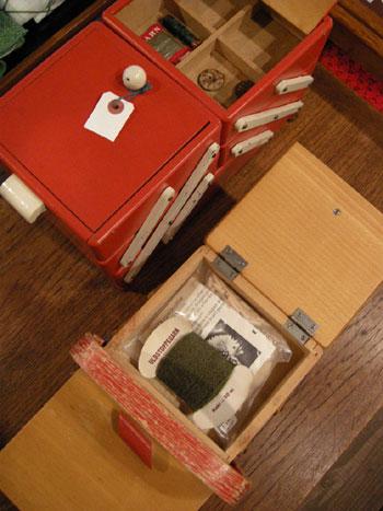 裁縫箱 (SWEDEN/DENMARK)_c0139773_19342890.jpg