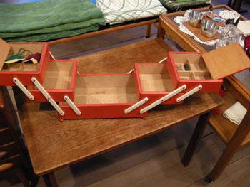裁縫箱 (SWEDEN/DENMARK)_c0139773_19425570.jpg
