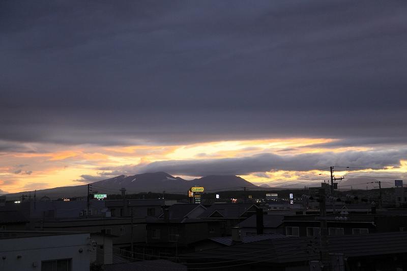 夕方、雲の切れ目が_a0160581_19474476.jpg