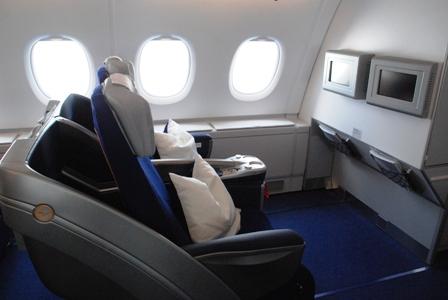 ルフトハンザ エアバスA380のビジネスクラス_b0053082_313167.jpg
