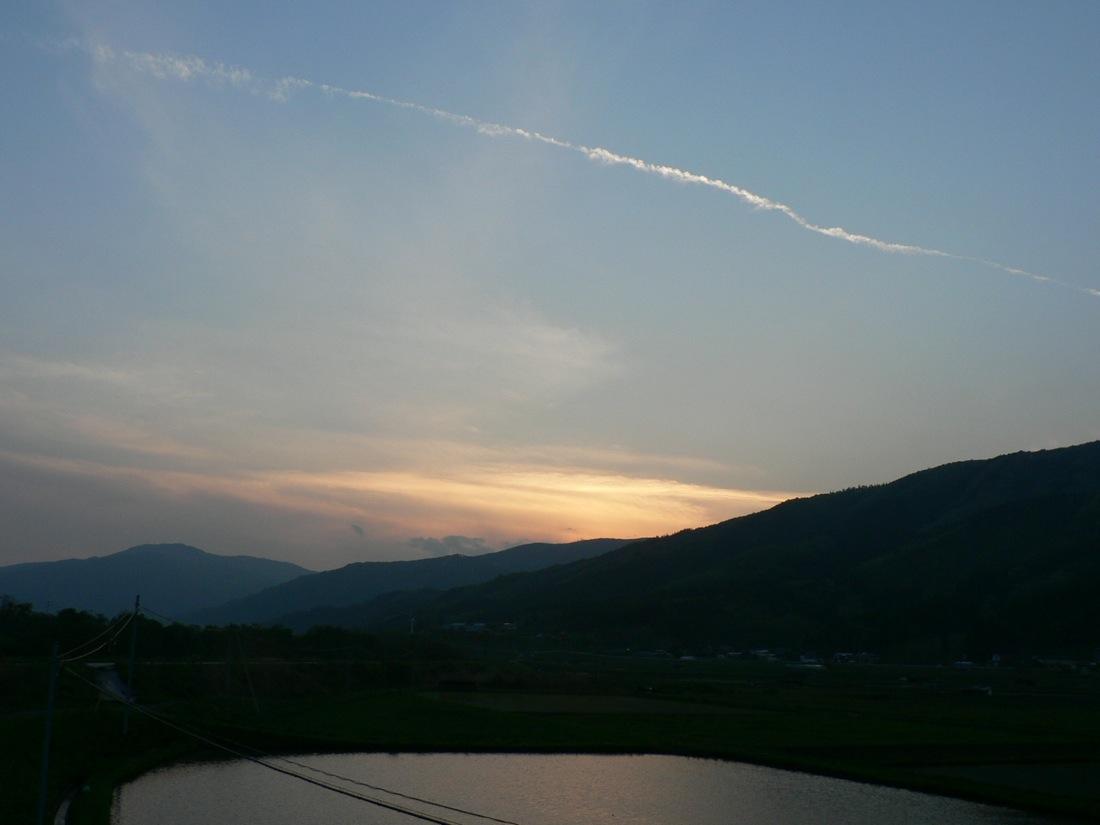 雨の夕焼け_d0001843_8542315.jpg