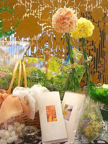 夢のようなファーマーズマーケット@daikanyamamariaの薔薇のお紅茶*✛ _a0053662_21142121.jpg